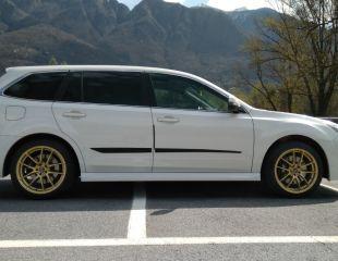 OZ-Racing-Leggera-HLT-Race-Gold-Subaru-Legacy-V_1.jpg
