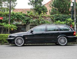 OZ_Racing-Italia150-5H-Matt-race-silver-diamond-cut-Jaguar-XType_1.jpg
