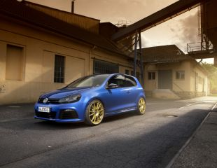 oz-racing-ultraleggera-hlt-race-gold-vw-golf-r-vi-1.jpg