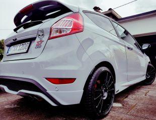 oz-racing-superturismo-lm-matt-black-ford-fiesta-st-1.jpg