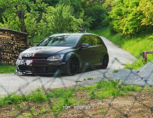 oz-racing-ultraleggera-hlt-matt-black-vw-golf-vii-gti-1.jpg