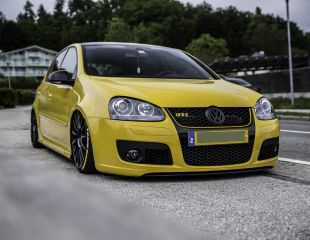 oz-racing-superturismo-lm-matt-black-volkswagen-golf-v-gti-1.JPG