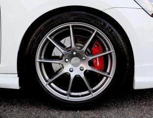 OZ_Racing_Omnia_Grigio_Corsa_Bright_Volkswagen_Golf_001.jpg