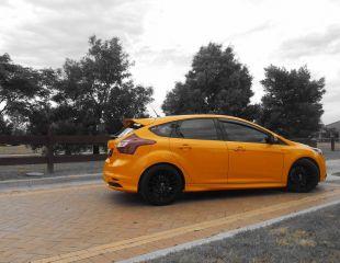 OZ_Racing_Superturismo_GT_Matt_Black_Ford_Focus_001.jpg