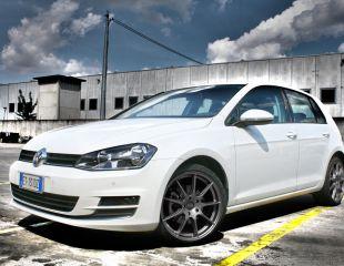 OZ_Racing_Omnia_Grigio_Corsa_Bright_Volkswagen_Golf_VII_001.jpg