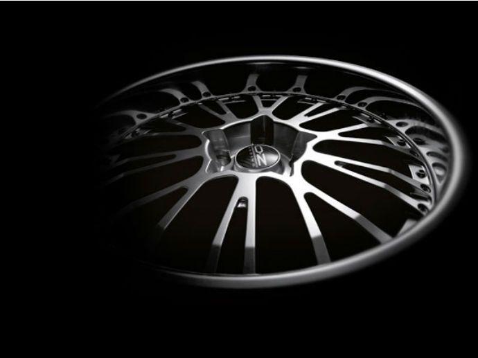 2007. Nach Antares, Superleggera und Michelangelo II wird das nächste Rad von OZ prämiert. Auf der Essen Motor Show erhält das Botticelli III von der Zeitschrift Auto Bild Sportscars den Design-Award…
