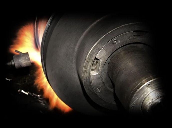 HLT High Light Technology. En produktionsteknologi til at forbedre den støbte fælgs letvægtsegenskaber. En metode hvor man komprimerer aluminiummen, hvorved styrken forøges, så man igen kan strække materialet og sikre styrke,…