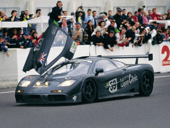 1995. Le Mans' Winner Team: Kokusai Kaihatsu Racing Yannick DalmasJ.J. LehtoMasanori Sekiya
