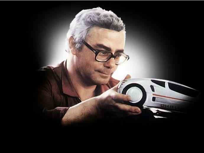 2002. Samarbejde påbegynder med Franco Sbarro og Espera Sbarro, en berømt fransk designskole specialiseret i design af prototyper.