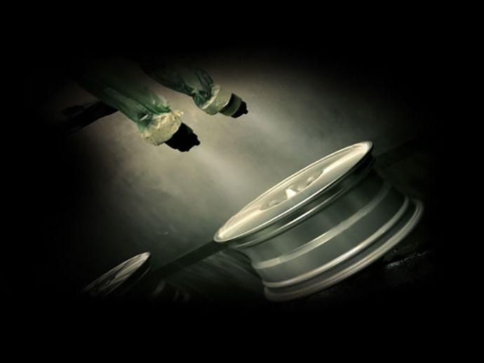 Verf Test Weeromstandigheden test op gelakte velgen Strenge tests waarbij de wielen geen enkele aanwijziging of tekenen van corrosie mogen geven.