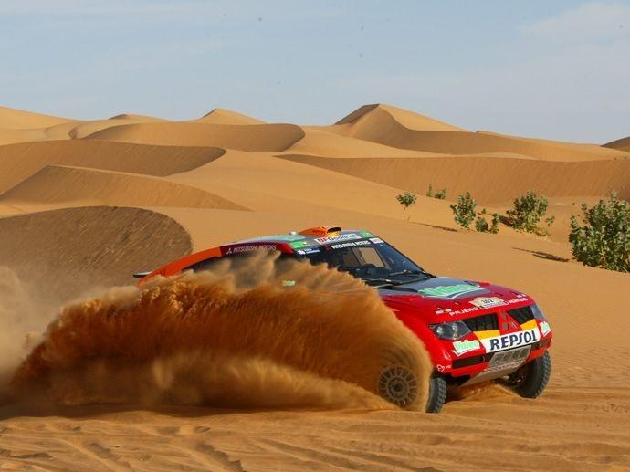 2006. Rally Raid Dakar's Winner Luc AlphandFrancia Gilles Picard Mitsubishi Pajero Evolution