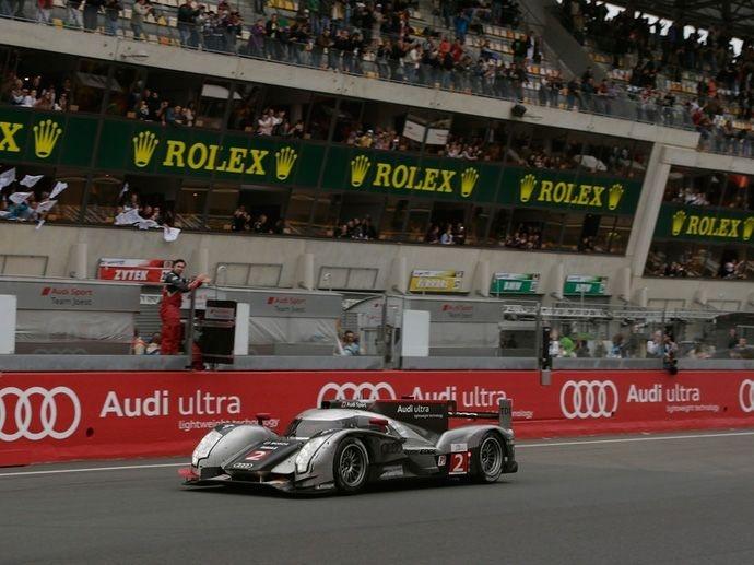 2011. Le Mans' Winner Audi Sport Team Joest Marcel FässlerAndré LottererBenoît Tréluyer