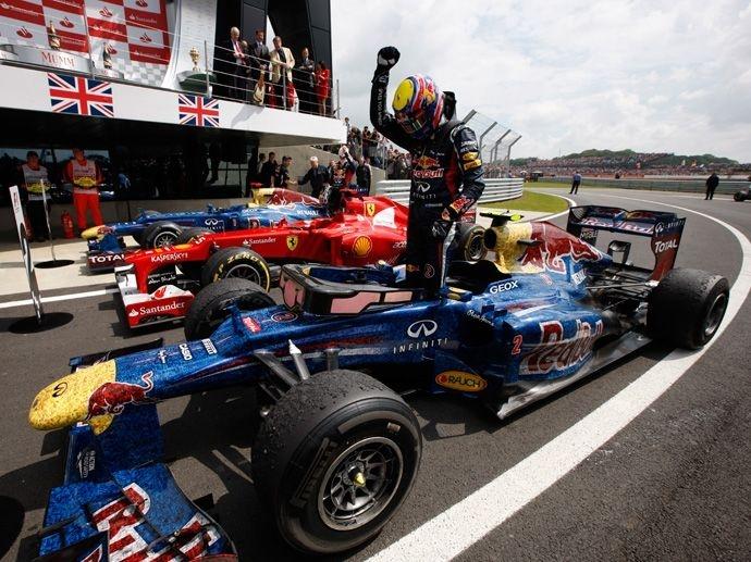 2012. OZ získává v F1 po dvou vítězstvích v letech 2010 a 2011 i třetí vítězství po sobě s týmem Red Bull Racing. Navíc všichni piloti na stupních vítězů (Sebastian Vettel,…