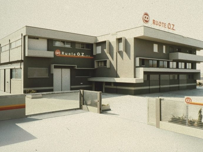 1978. Η ΟΖ S.p.A. Ιδρύθηκε επίσημα με μετοχικό κεφάλαιο 210 εκατομμυρίων λιρών, χάρη στην επίσημη είσοδο της Isnardo Carta.