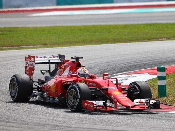 2015. Formula-1において、フェラーリとのパートナーシップを5年延長し2019年までとしました。
