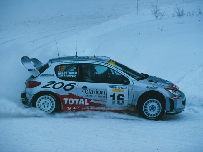 2001. En ny seger med Peugeot Total Team (Constructors' Championship) och med Subaru World Rally Team (Drivers' Championship) med Richard Burns. Segrar även i F3000 Championship, Indy 500 och Le Mans…