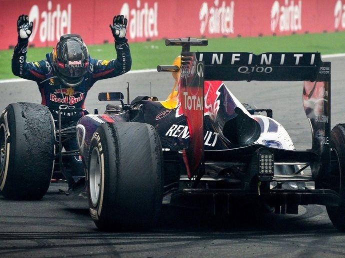 2013. Den fjärde hisnande vinsten i rad för Sebastian Vettel i en Red-Bull enkelsits med OZ-fälgar.